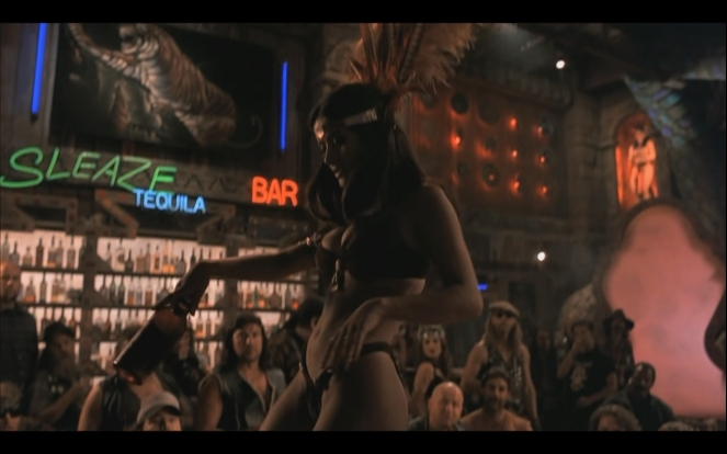 -From-Dusk-Till-Dawn-Screencaps-salma-hayek-23078603-1280-800