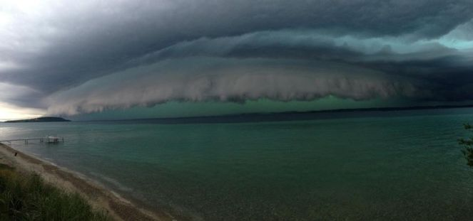 storm clouds over lake mi 080215