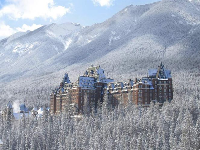 canada-haunted-places-fairmont-banff-springs-hotel