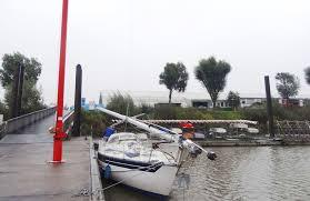 sailboat mast down