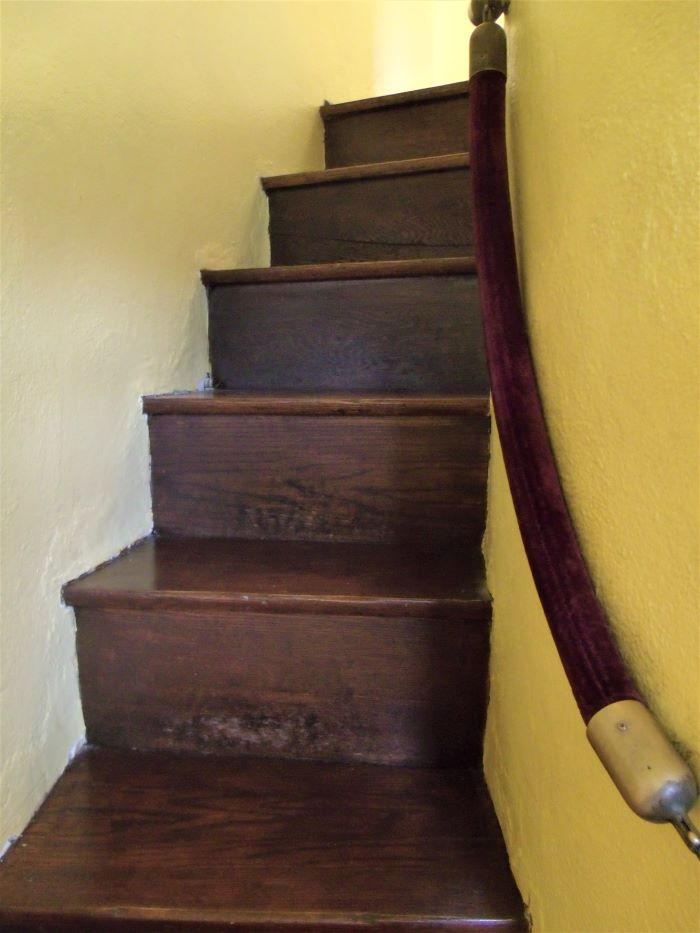 resized narrow stairway going to the 4th floor 060221